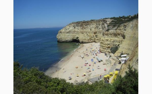Praia Vale Centeanes